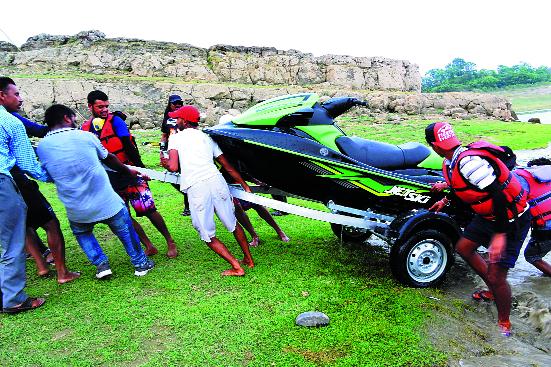Adventure activities in Pong Lake soon