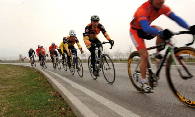 FUELING RIGHT FOR AN ENDURANCE SPORT