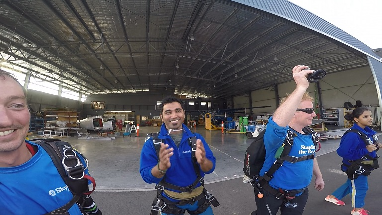 We Jumped off a plane!!